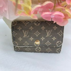 a7635b4b4b3f Louis Vuitton · 💯 aunt Louis Vuitton denim 6 key cles holder